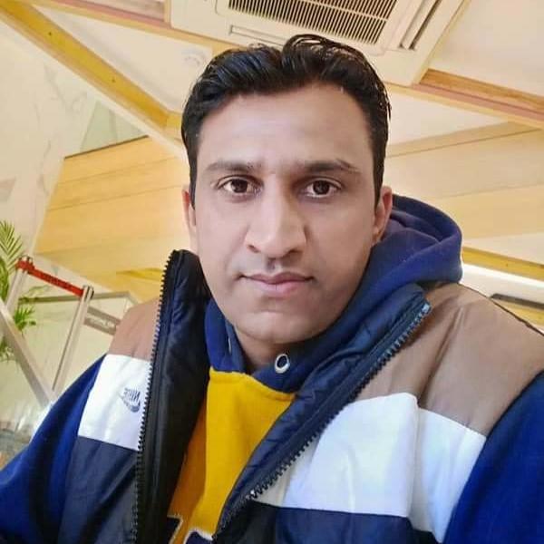Manish: Support Engineer